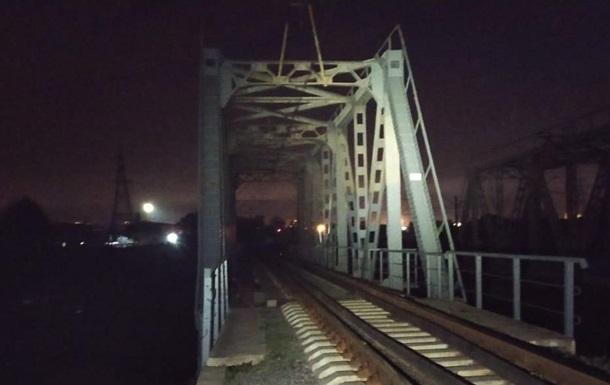 В Харькове девочка погибла от удара током на мосту