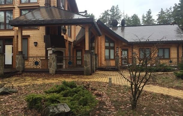 Резиденцию Януковича Сухолучье передали сети отелей