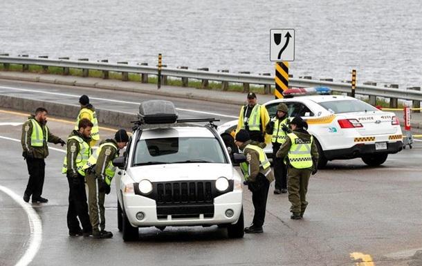 Фарба і димові гранати: сімох осіб заарештовано біля місця проведення G7