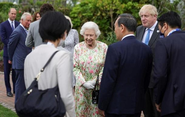 Королева влаштувала прийом для лідерів G7