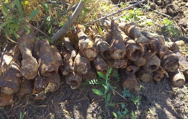 У Бердянську знайшли сотні снарядів і мін