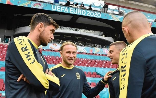Судаков та Безус не ввійшли в заявку України на матч з Нідерландами