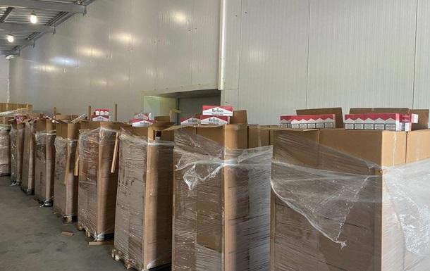 `Табачно-вишневая` контрабанда: изъятые сигареты оценили в 10 млн