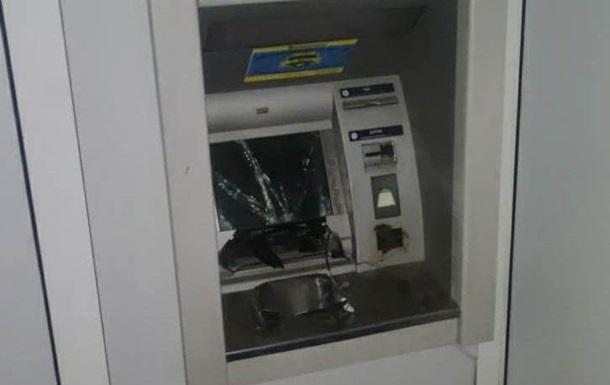 У Харкові невідомі підірвали банкомат