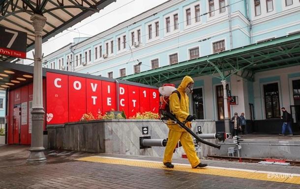 У Росії приріст COVID-хворих підскочив вище 14 тисяч