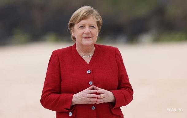 Країни G7 виділять 2,3 млрд доз вакцин - Меркель