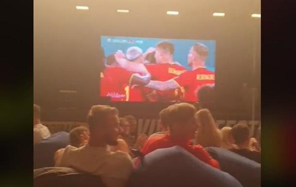Во Львове бесплатно наливали пиво за голы в ворота сборной России
