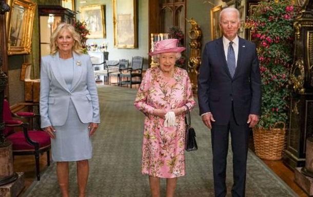 Байден порівняв королеву Єлизавету зі своєю мамою