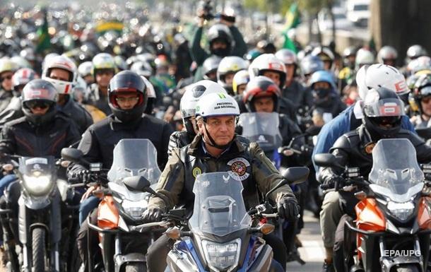 Президента Бразилії знову оштрафували за відсутність маски
