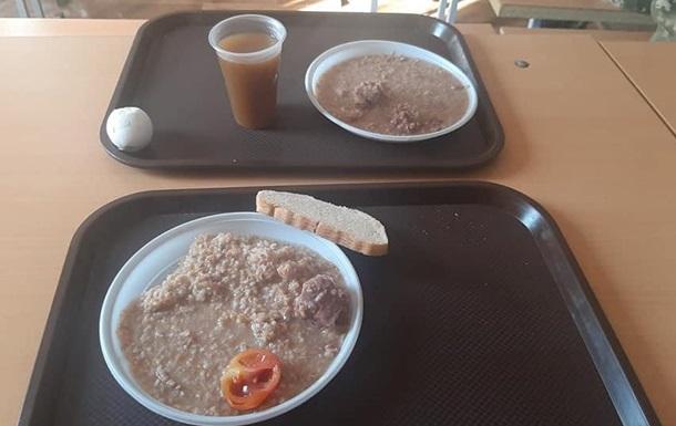 З явилися фото їжі бійців на Гончарівському полігоні