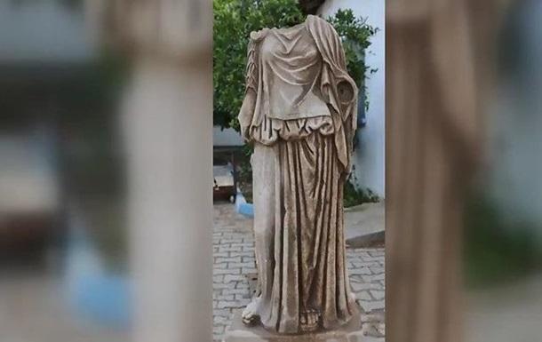 Знайдено стародавню статую жінки віком близько двох тисяч років