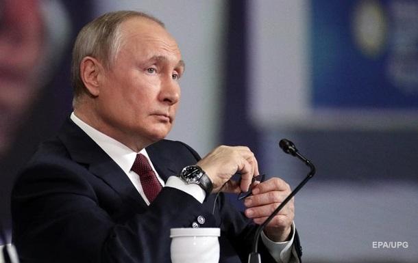 Путін назвав причину розміщення російських військ біля кордонів України