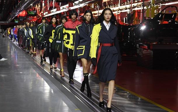 Ferrari показал свою первую коллекцию одежды