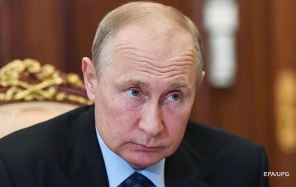 Путин утверждает, что Украина подтаскивает технику на Донбасс