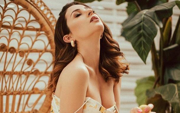 Злата Огневич восхитила образом в белом платье