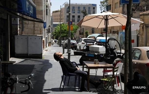 В Израиле разрешили не носить маски в помещениях