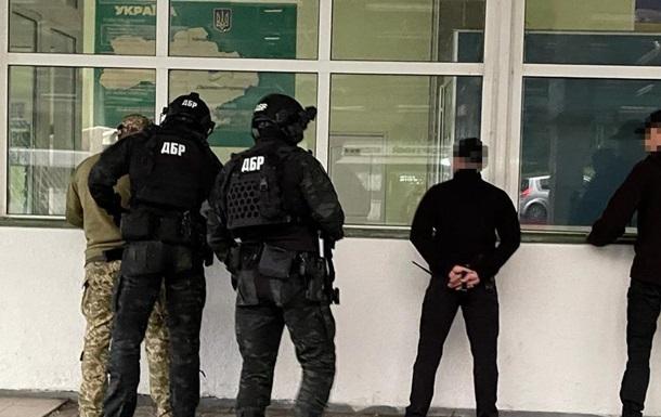 Двох митників в Шегинях затримали на хабарі