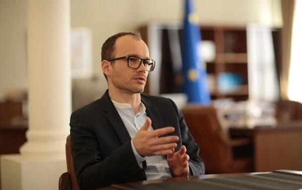 Кабмин обжалует требование НАПК уволить Витренко