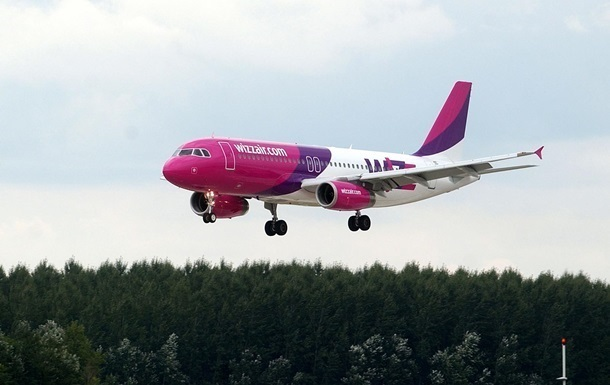 Рейс Wizz Air Катовіце-Запоріжжя здійснив аварійну посадку