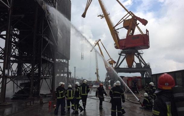 В Николаеве произошел пожар на территории морского порта