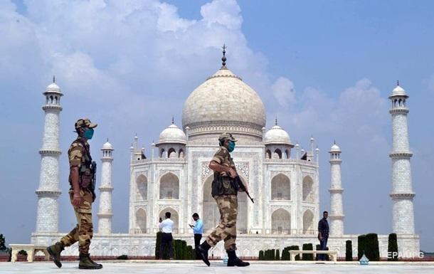 В Індії після двомісячної перерви відкрили Тадж-Махал