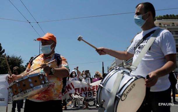 В Афинах забастовка парализовала работу транспорта