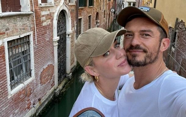 Піца і поцілунки: Орландо Блум і Кеті Перрі полетіли в Італію