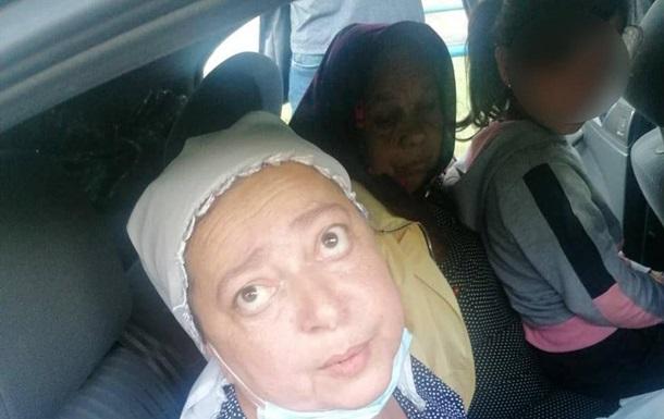 Под Киевом  монахини  украли у пенсионерки тысячи долларов