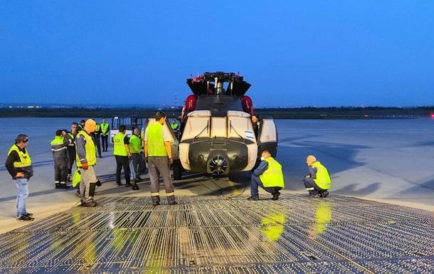 Ан-124 за раз доставив п`ять вертольотів із Польщі на Філіппіни