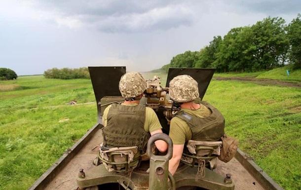 На Донбасі за добу три обстріли, втрат немає