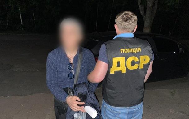 Три рази виганяли: в Києві знову затримали кримінального  авторитета