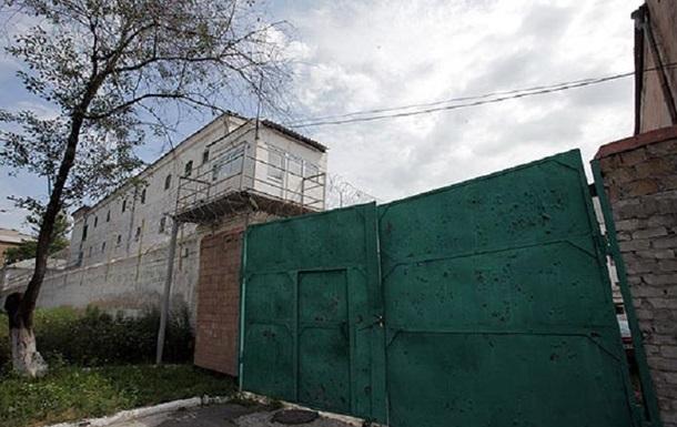 У Києві четверо співробітників СІЗО організували збут наркотиків