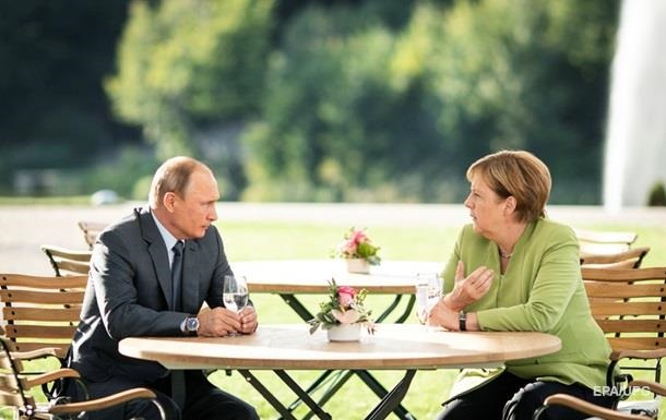 Путин рассказал Меркель о переговорах с Байденом