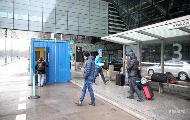 Польща ввела карантин для тих, хто прибуває з Британії