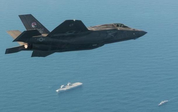 Самолеты США совершили боевой вылет с иностранного авианосца