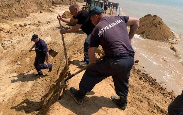 Обвал грунта в Одесской области: погибших и пострадавших не обнаружено