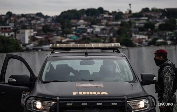 В Бразилии сотни полицейских ищут серийного убийцу
