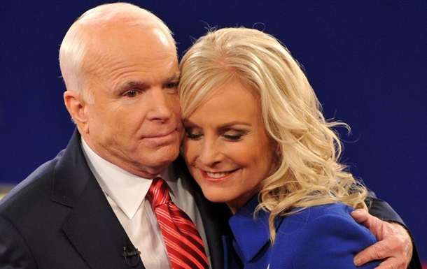 Байден висуне вдову Маккейна на посаду представника США при ООН