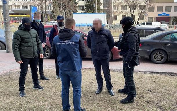 На Київщині чиновника податкової служби судитимуть за хабар