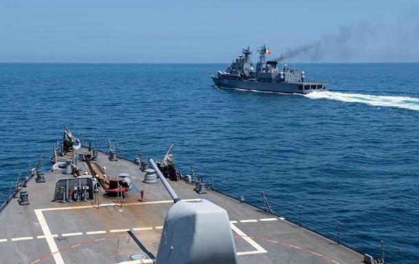 Есмінець США залишає Чорне море