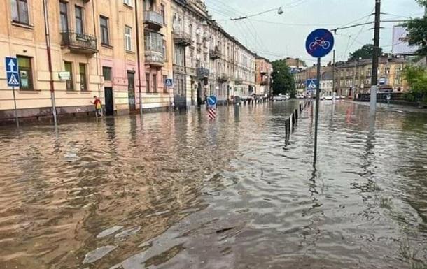 У Львові паралізовано рух електротранспорту