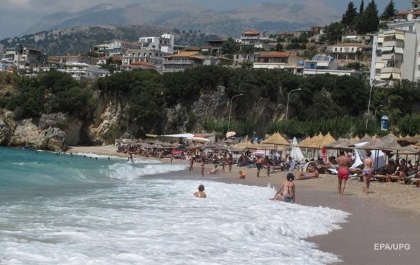 В Албании владельцы гостиниц устроили стрельбу из-за лежаков