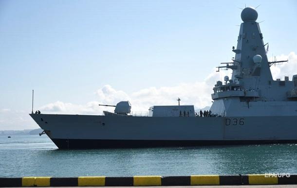 Министр обороны Британии извинился за потерю документов об эсминце у Крыма