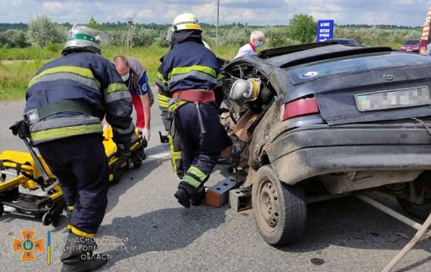 На трассе Днепр-Харьков произошло ДТП, есть пострадавшие