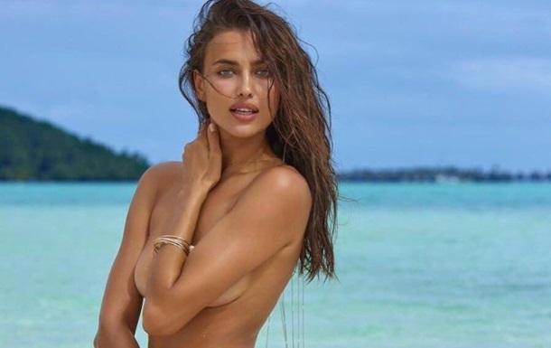 Ирина Шейк ошеломила снимками топлес на пляже
