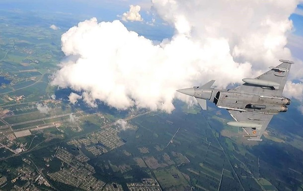 Авіація НАТО проводить навчання над країнами Балтії
