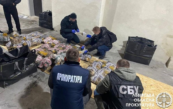Громадян Туреччини спіймали на рекордній контрабанді героїну в Україну