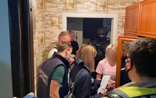 Две украинки задержаны за съемки дочерей в порно