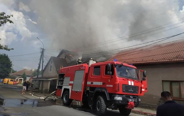 Пожежу в готелі Мукачева ліквідували