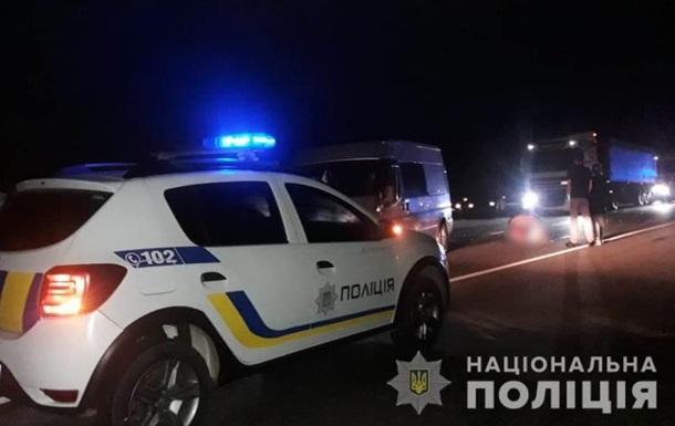 В Одесской области авто насмерть сбило женщину и ребенка